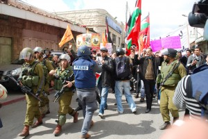 Palestinians in Hebron march in solidarity with the prisoners on hunger strike